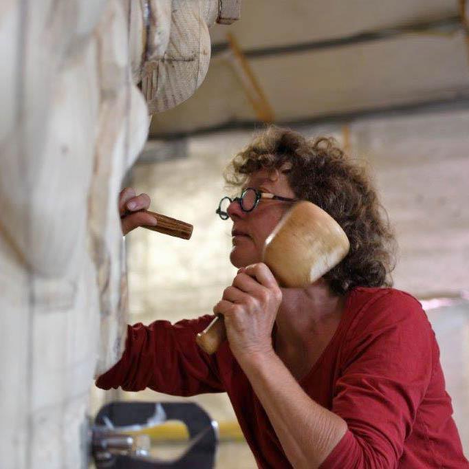 Beelden houtsnijwerk beeldhouwcursussen floor van der for Van der leun rijssen